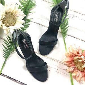 Seychelles Heels in Black. Size 7.5.